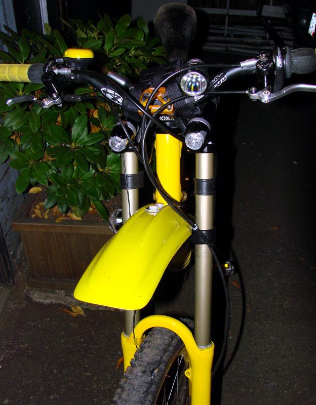 1,000 Lumens high performance LED bike light
