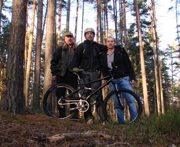 From left to right, HSB Founder Karel Hladik, our friend Jon from wwww.freeride.cz and David (Downhill) Flather.